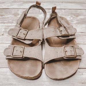 Oshkosh | sandals